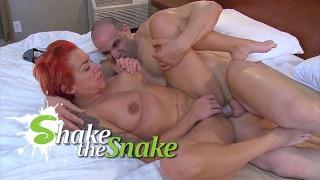 Shake The Snake - Amateur Moms Banged Hard