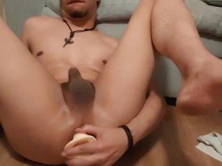 Trying Out My New Toy – Solo Big Dick Twink Dilos Ass