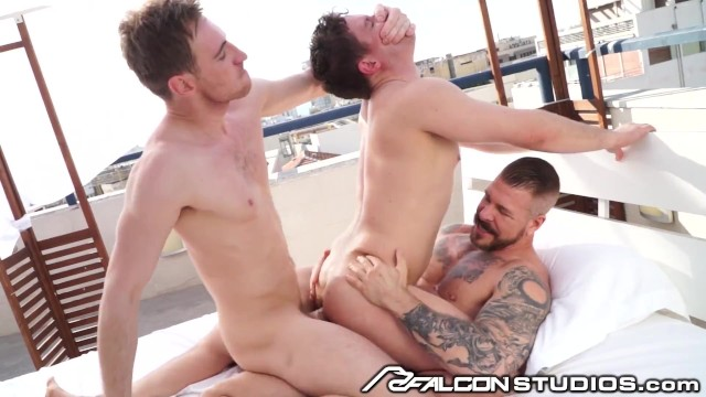 Capetown gay scene Ashley ryder picked up by 2 hunks, gets dominated dpd