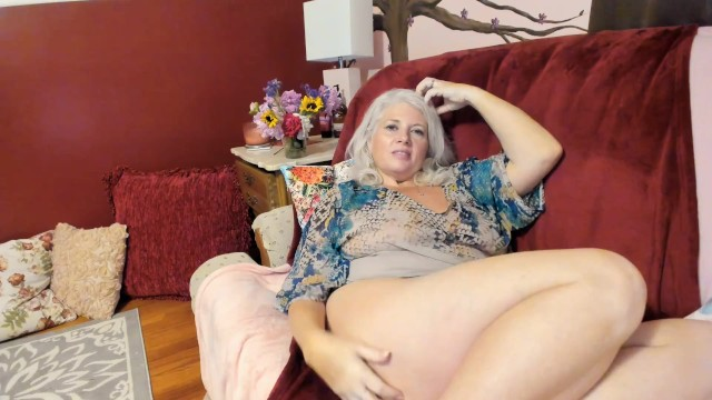 What pornstar mothers think Curvy milf rosie - early morning mommy play thinking of your yummy dick