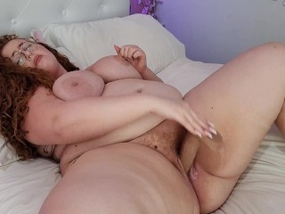 Bbw hucow fucking her plump pussy dildo and...