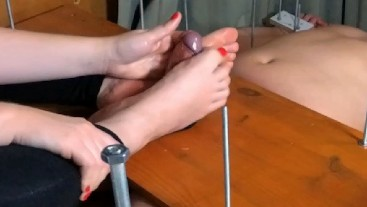 Amateur. I made him a little Footjob and then I ruined his Orgasm. A little Post Orgasm Torture