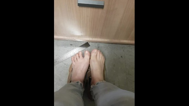 Amateur;Brunette;Mature;MILF;Feet;Exclusive;Verified Amateurs;Solo Female;Tattooed Women;Vertical Video stinky, sweaty, smelly, dirty, feet, playing, toes, no-socks, small, foot, little-feet, milf