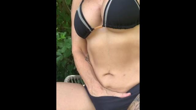 Backyard nudist picture Teravee fucks herself in backyard