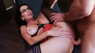 Milf Lets Me Fuck Her Ass During Therapy