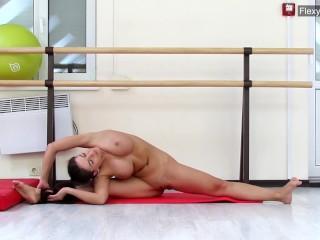Brunette gymnast gondova...