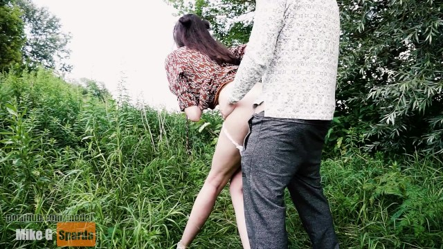 Blowjob free short tubes Tall girl fucked in the park. blowjob from a tall lady. tall girl and short guy sex