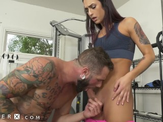 GenderX - Hot TS Fitness Instructor Fucked In The Gym
