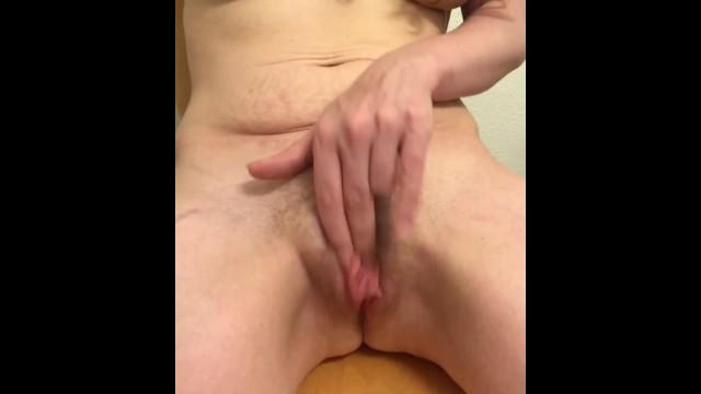 TOTALLY NUDE MILF CUMS HARD! FUCKING HOT! 19