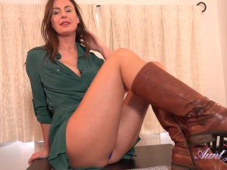 Auntjudys tall 45yo gives joi while she spreads...