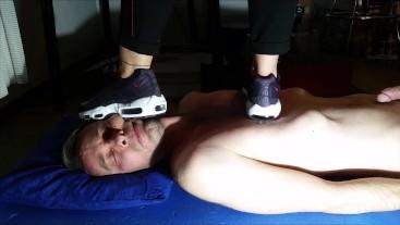 Nike 95 Girl Sneaker Trampling