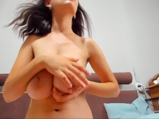 Bounce boobs
