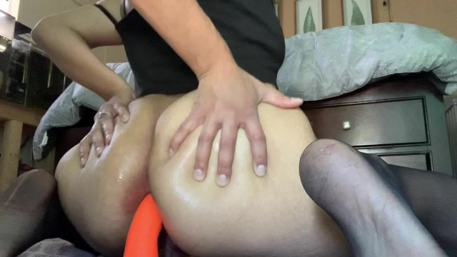 chinese girl rubbing pussy