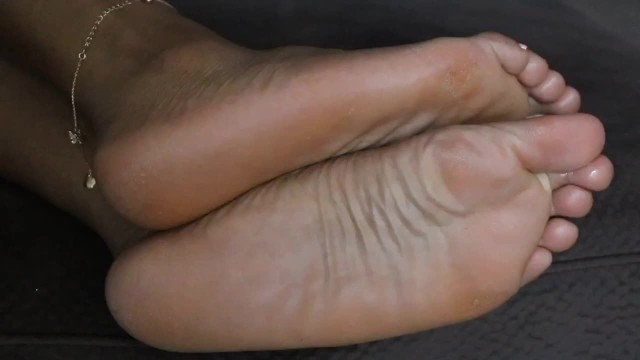 Ebony;Feet;Exclusive;Verified Amateurs;Verified Couples;Solo Female drysoles, ebonyfeet, wrinkledsoles, footfetish