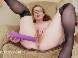 Ana Molly masturbates with her toy on her armchair