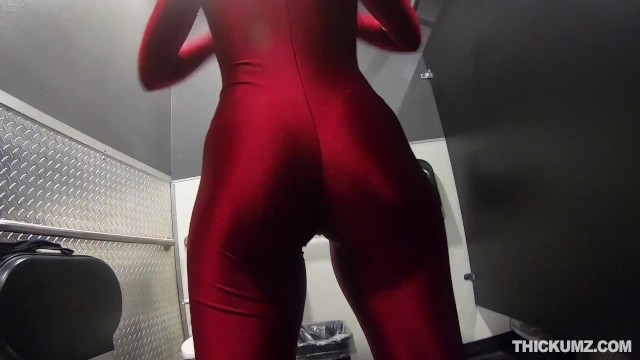 Thickumz - Penetrating Thicc Babes Pussy 3