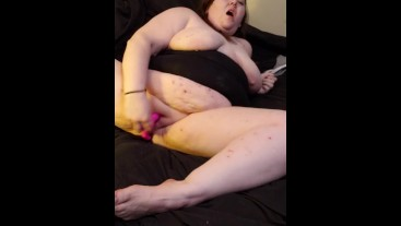 Fucking myself & Cumming SO hard. I was so horny.