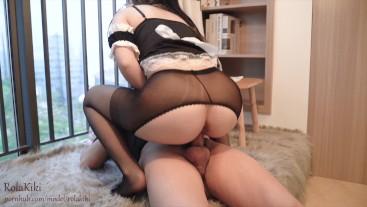 女仆的工作就是满足主人,骚气坐在肉棒上自己动,开裆丝袜直接插入,高潮不断