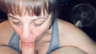 Mature mommy loves sucking the nut out