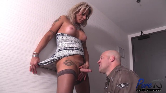 mature trans escort takes care of her client 13
