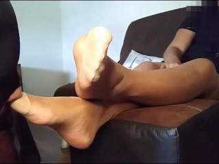 Slave worshiped feet...
