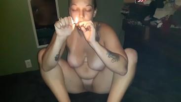 Hot pawg smoking naked