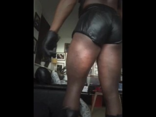 Daddy in leisure leather day...