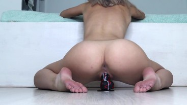 WANT SOME FRESHLY SQUEEZED PUSSY JUICE? (dildo riding)