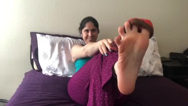 Princess Poison gets ready for a nap by teasing you with a stinky sock joi!