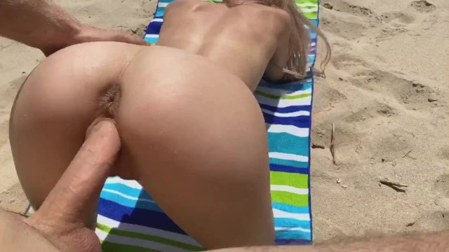 Beach cumshots Public sex on the beach