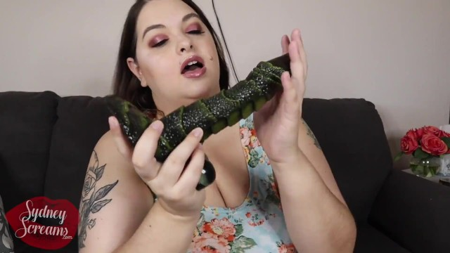 Unboxing Creature Cock by Monster-Cocks RealDoll - Fantasy Monster Dildo Review - BBW Sydney Screams 7