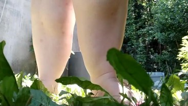 giantess crush