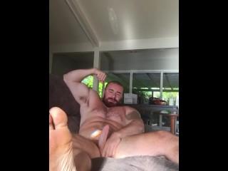 Bodybuilder flex and jerk off on couch hot...