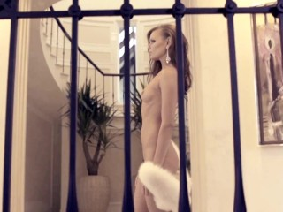 Moscow girl has gone crazy and is walking naked in a hotel. Let's see who she meets.