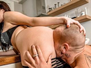 Househusband Heats Up The Kitchen