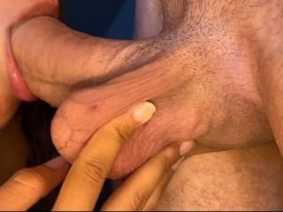 He licks my pussy in exchange of he...