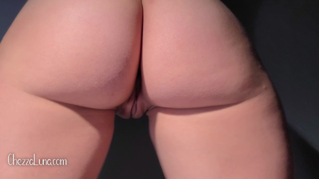 Juicy ass bubble butt bouncing 4K 6