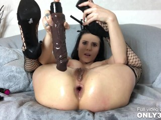 Seductress Nelly Kent oiled up and toying her asshole – scene by Only3x Girls