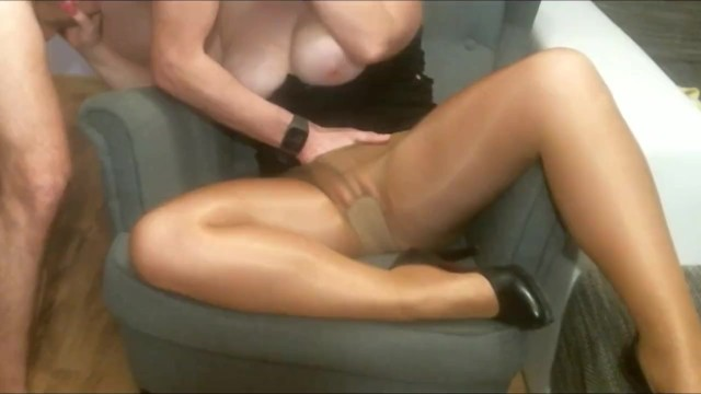 Rob hentai corner Sex on the armchair. wife in pantyhose pussy licking orgasm