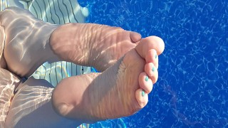MILF Mistress Vixie's Soles And Toes In The Pool.