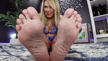 Playtime With Aunt Nikki's Feet - Nikki Ashton