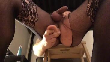 Giant dildo made me cum