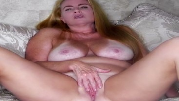 Sexy Naked Blonde MILF Nikki Clit Rubbing Til Orgasm
