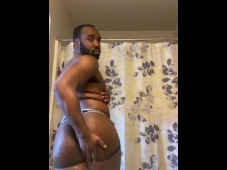Watch me play with my giant bbc in...