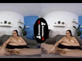 Ria Black – Masturbates Shaved Pussy