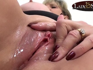 Close up masturbating with naughty sonia...