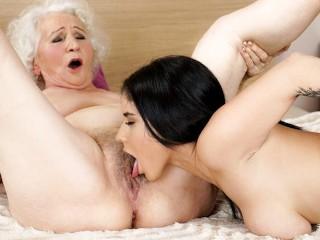21Sextreme Hot 18yo Babe Fantasises To Fuck A GILF At The Hotel wwwxxx video