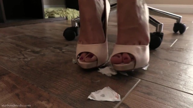 Diploma Destruction - Star Nine Pee Humiliation & Foot Domination FULL VIDEO 1