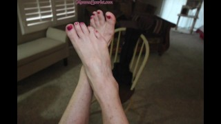 GILF Scarlet so horny foot-fucking one of her hot BBCs