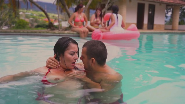 Strangers Catch Me Fucking In Public Pool and i make a big squirt kathalina7777
